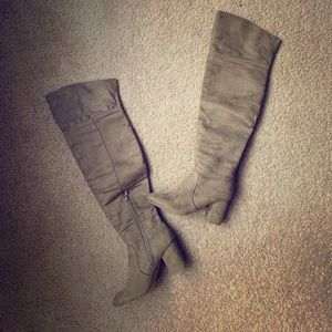 Thigh High tan suede boots! Fantastic Condition!